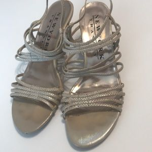 CHAMPAGNE COLORED SANDALS